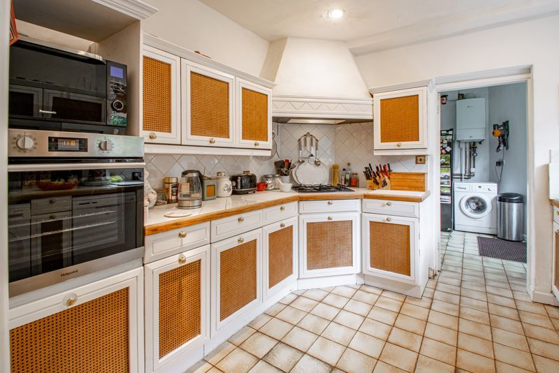 3 bed cottage for sale in Lickey Rock 5