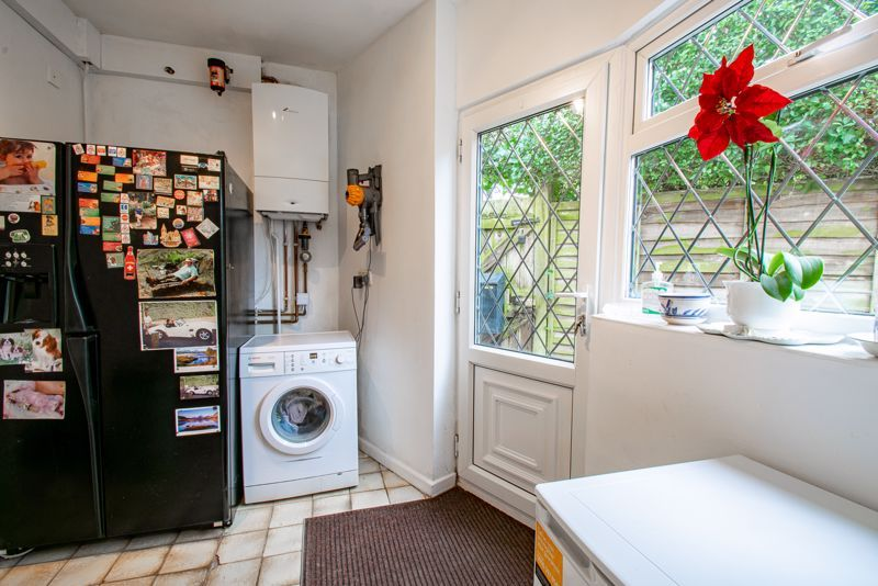 3 bed cottage for sale in Lickey Rock 6