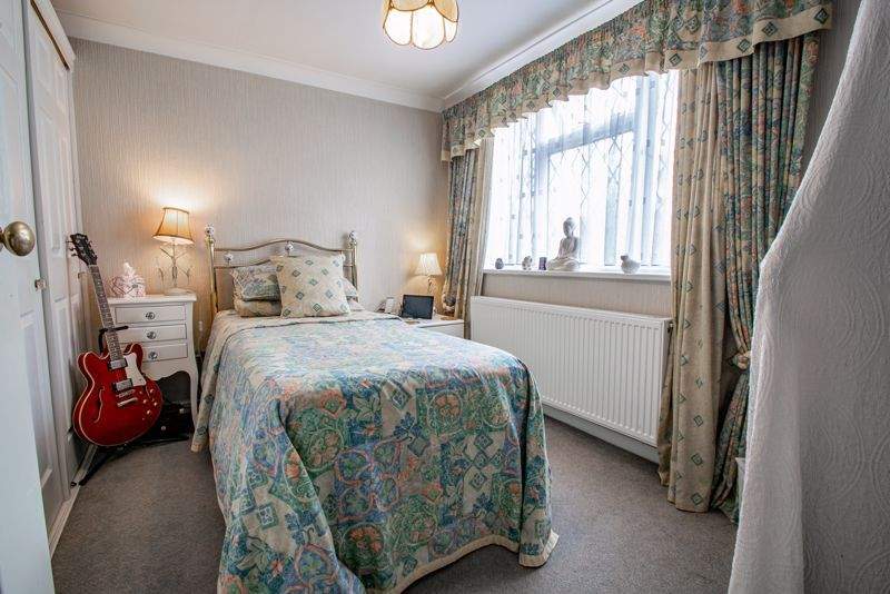 3 bed cottage for sale in Lickey Rock 9