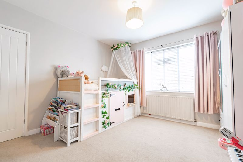 4 bed  for sale in Hawne Lane  - Property Image 17