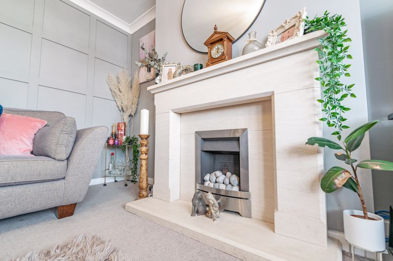 4 bed  for sale in Hawne Lane 4
