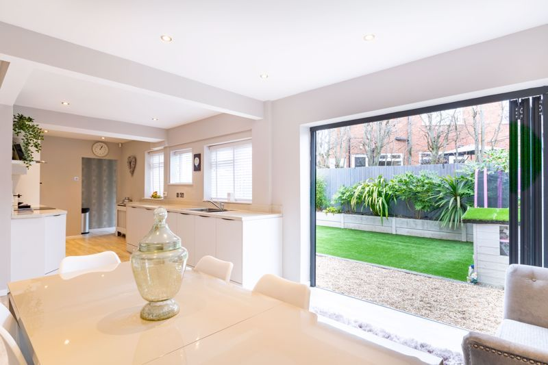 4 bed  for sale in Hawne Lane  - Property Image 6