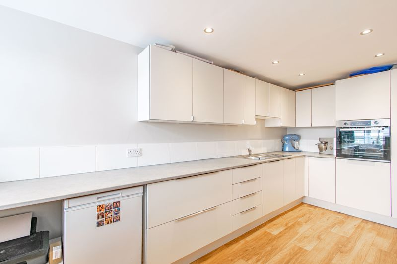 4 bed  for sale in Hawne Lane 8