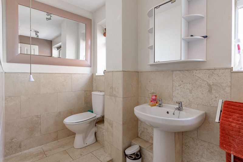 4 bed house for sale in Woodrow Lane 8