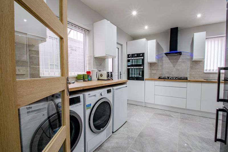 2 bed house for sale in Hewell Avenue 2