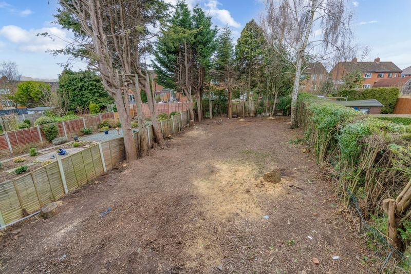 2 bed house for sale in Hewell Avenue 12