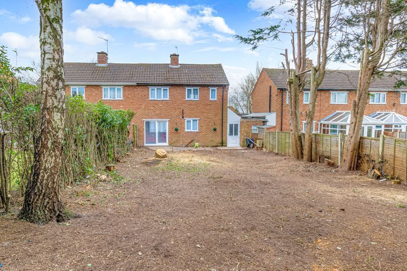 2 bed house for sale in Hewell Avenue 13