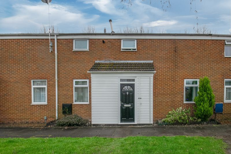 3 bed house for sale in Frankton Close 1