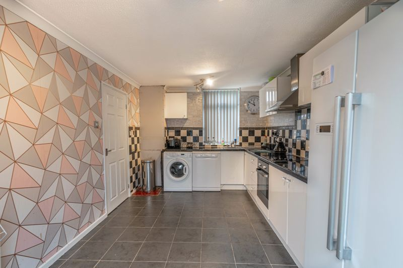 3 bed house for sale in Frankton Close  - Property Image 2