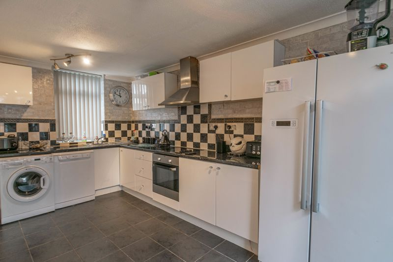 3 bed house for sale in Frankton Close  - Property Image 4