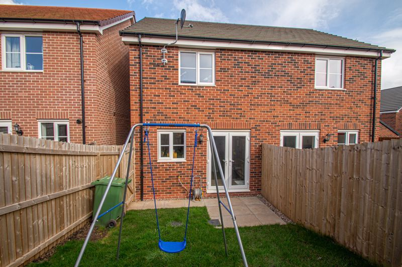2 bed house for sale in Laceby Close 13