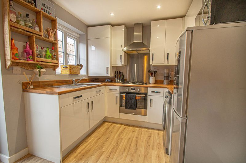 2 bed house for sale in Laceby Close 5