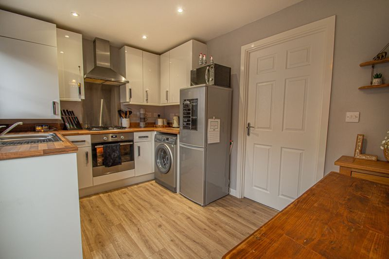 2 bed house for sale in Laceby Close 6