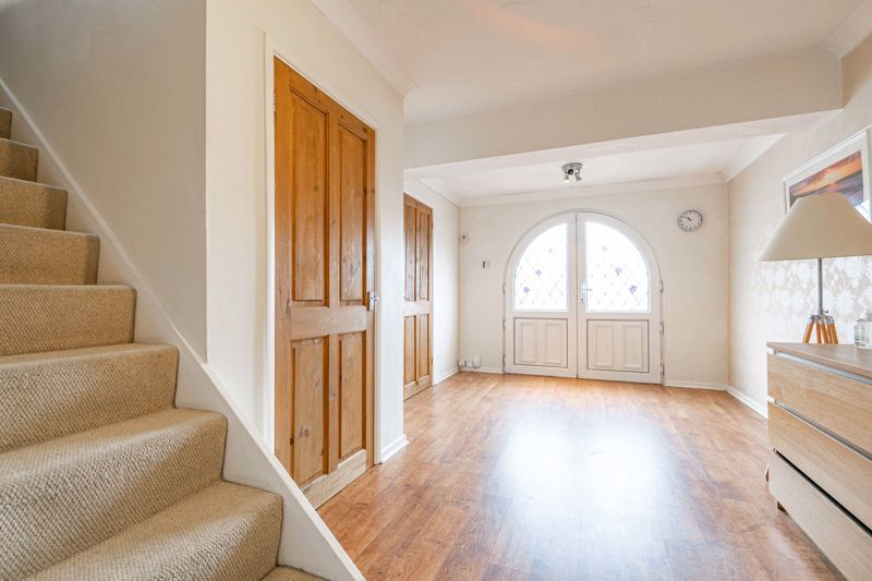 3 bed house for sale in Woodleigh Close 2