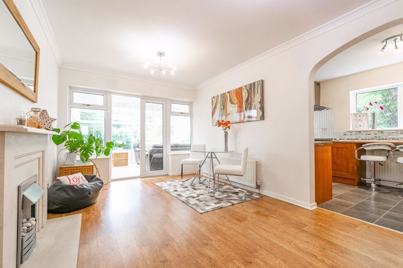 3 bed house for sale in Woodleigh Close 3