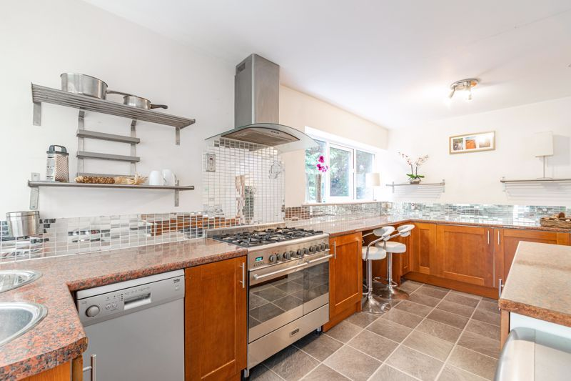 3 bed house for sale in Woodleigh Close 4