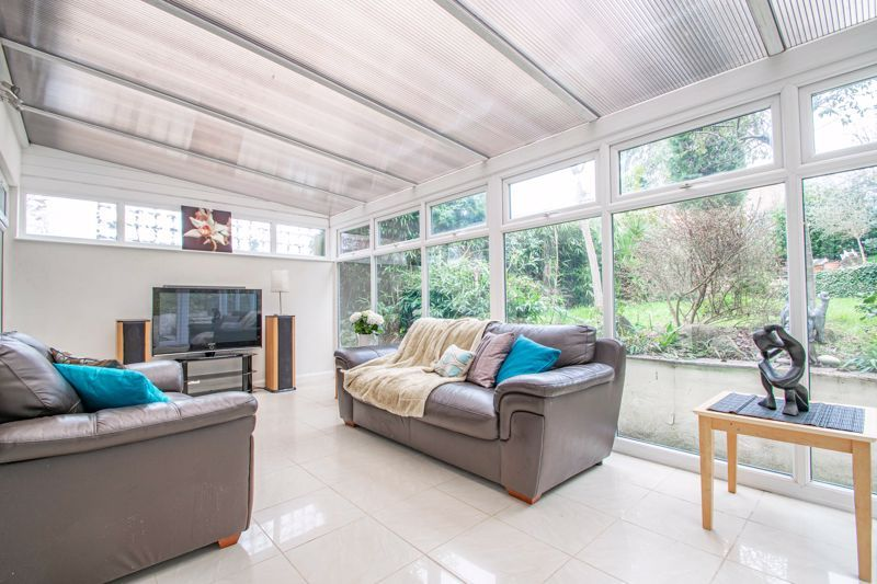 3 bed house for sale in Woodleigh Close 5