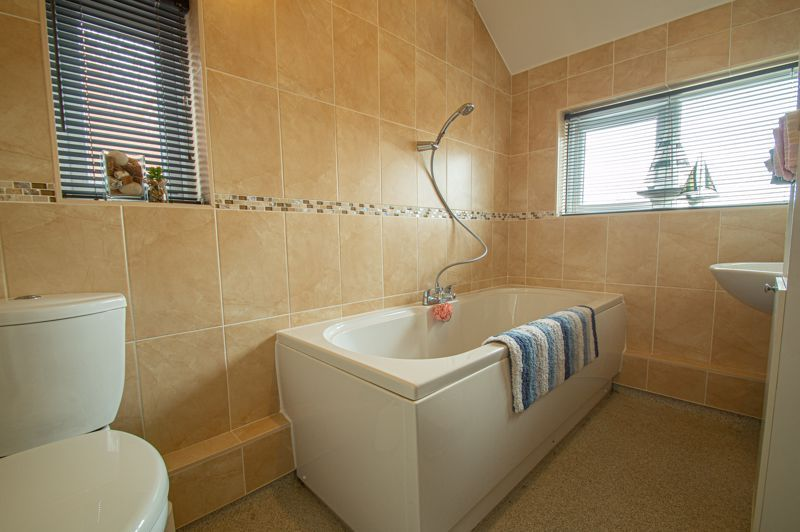 3 bed house for sale in Harport Road 11