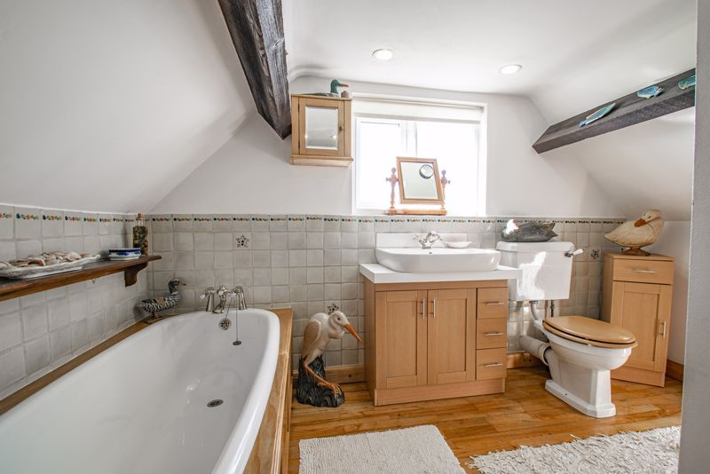 3 bed cottage for sale in Droitwich Road  - Property Image 11