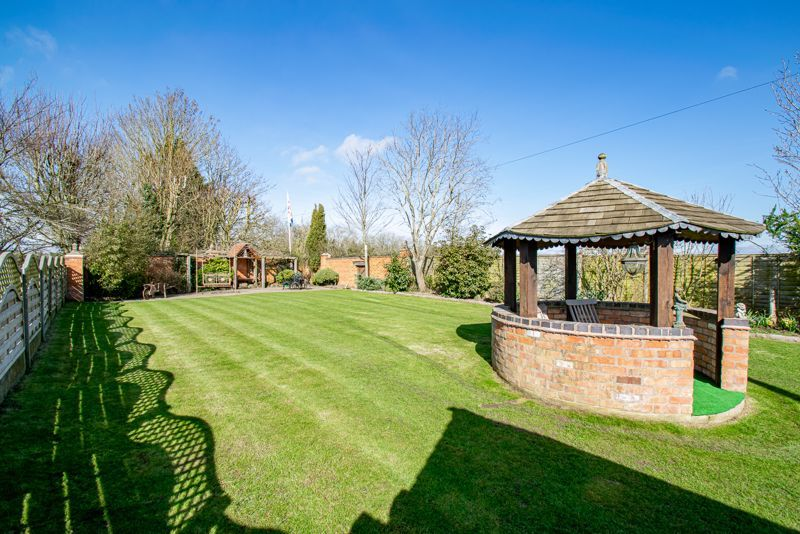 3 bed cottage for sale in Droitwich Road  - Property Image 13