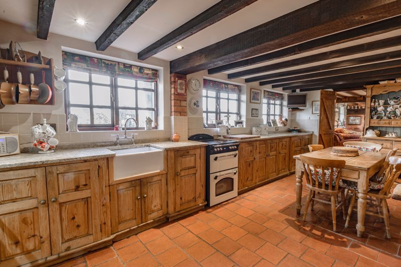 3 bed cottage for sale in Droitwich Road  - Property Image 3