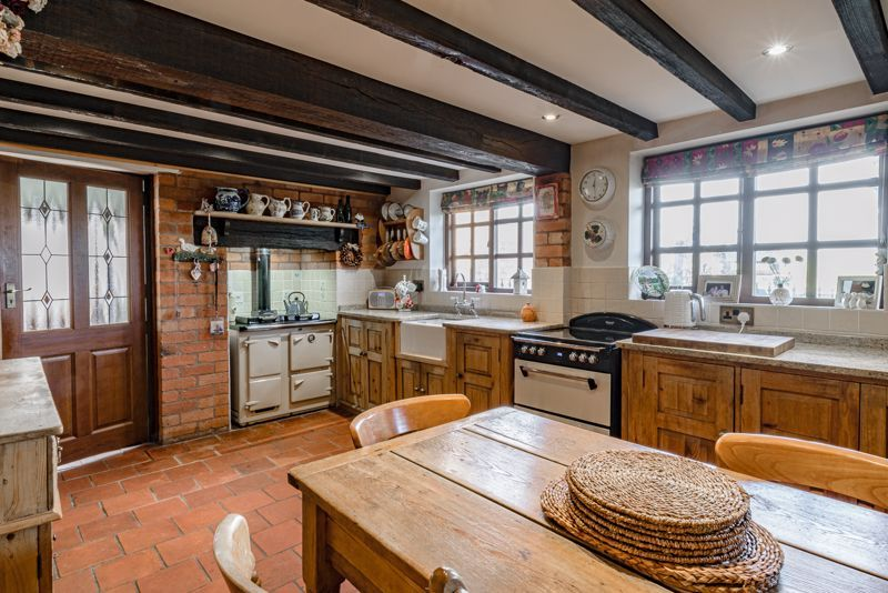 3 bed cottage for sale in Droitwich Road  - Property Image 4