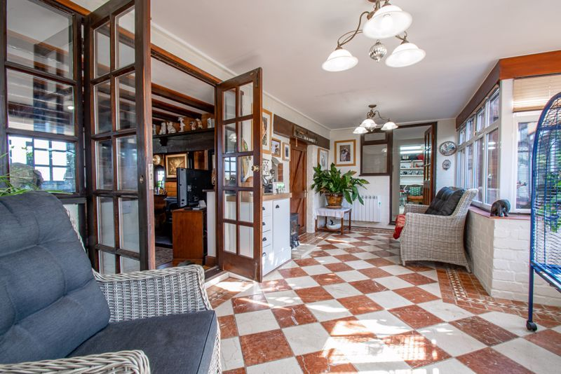 3 bed cottage for sale in Droitwich Road 5