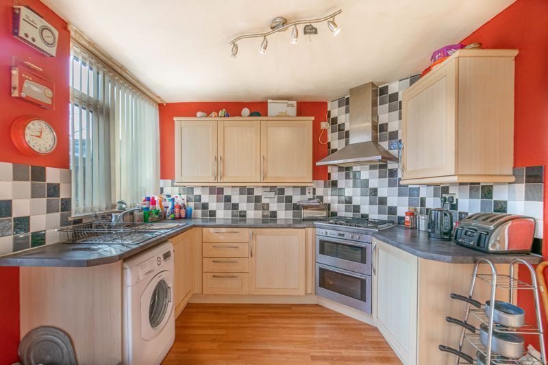 3 bed house for sale in Acton Close 2