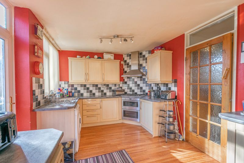 3 bed house for sale in Acton Close 3
