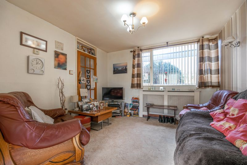 3 bed house for sale in Acton Close 4