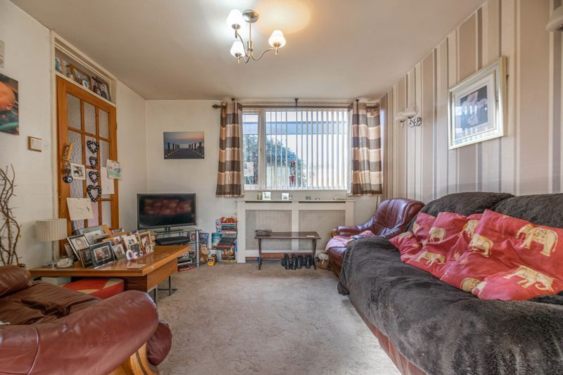 3 bed house for sale in Acton Close 5