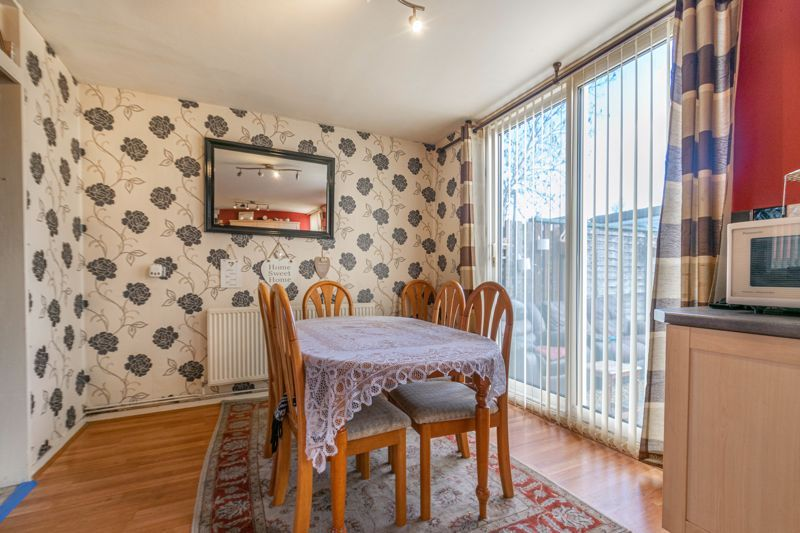 3 bed house for sale in Acton Close 6