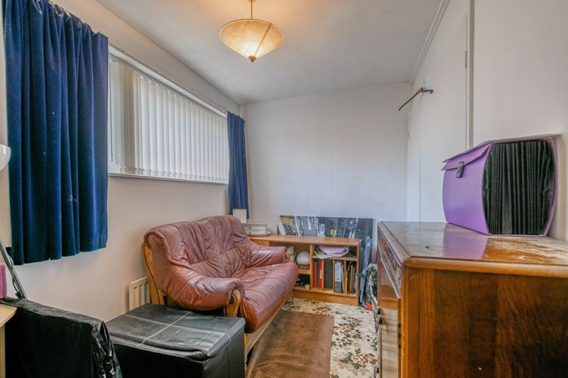 3 bed house for sale in Acton Close 10