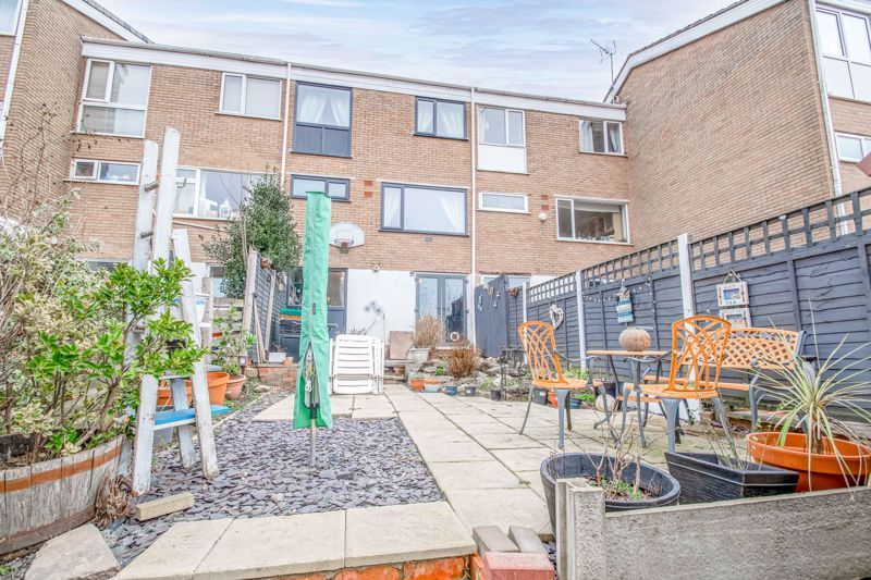 3 bed house for sale in Brier Mill Road 13