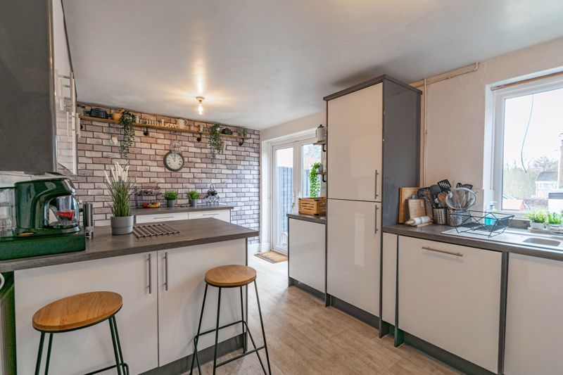 3 bed house for sale in Brier Mill Road 14