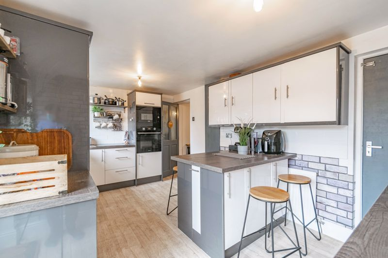 3 bed house for sale in Brier Mill Road 3