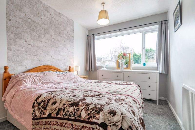 3 bed house for sale in Brier Mill Road 7