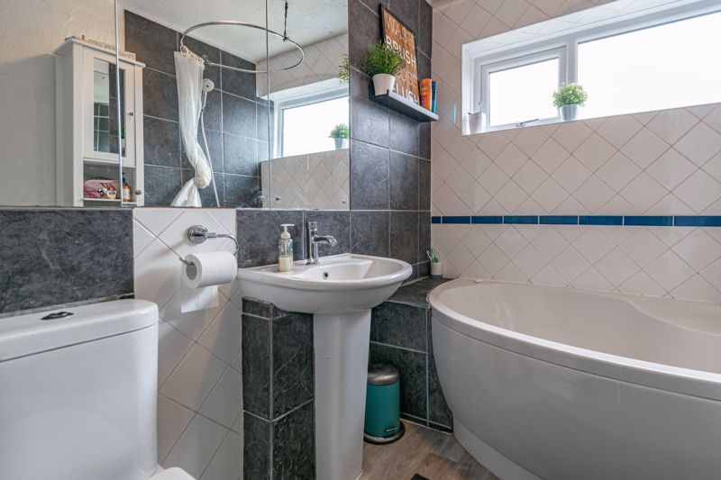 3 bed house for sale in Brier Mill Road 9