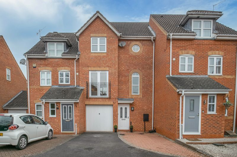 3 bed house for sale in Appletree Lane 1