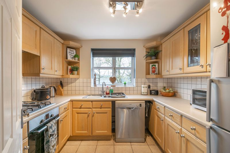 3 bed house for sale in Appletree Lane 2