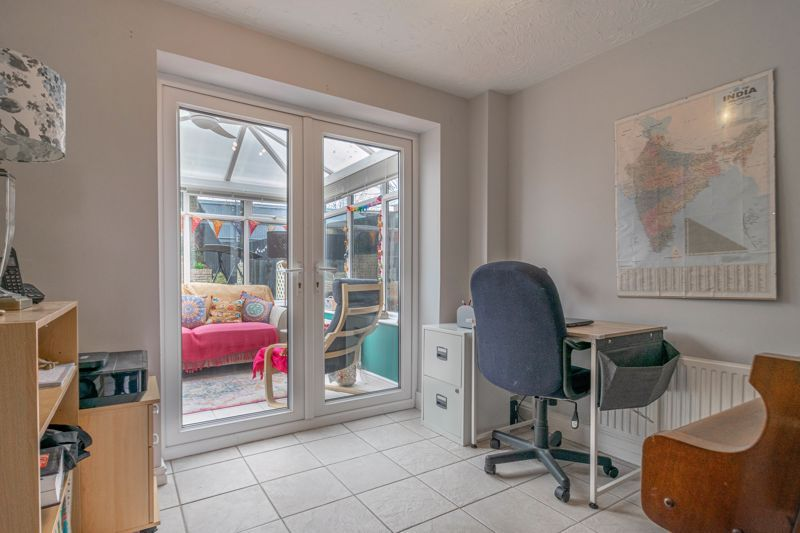 3 bed house for sale in Appletree Lane 11