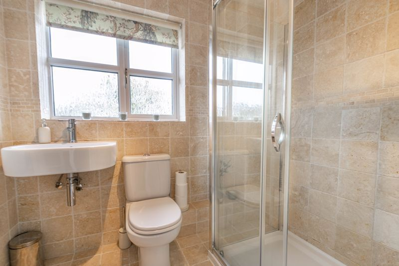 3 bed house for sale in Appletree Lane 12