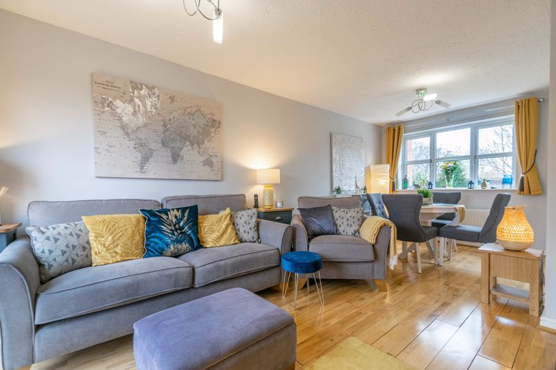 3 bed house for sale in Appletree Lane 3