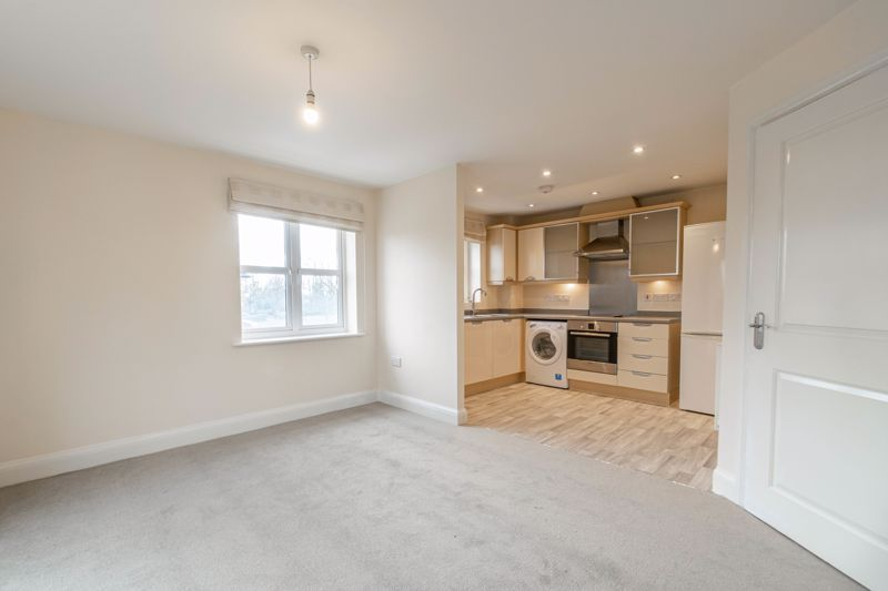 2 bed flat for sale in Shottery Close 2