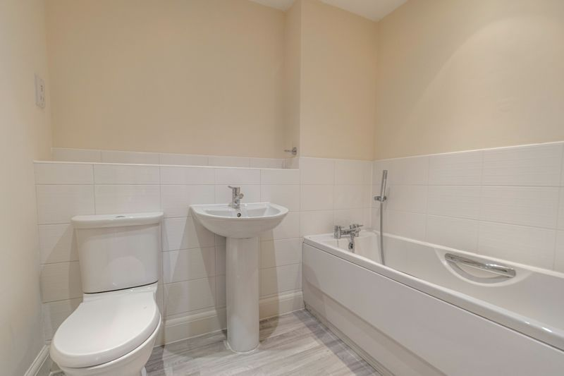 2 bed flat for sale in Shottery Close 11