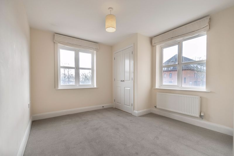 2 bed flat for sale in Shottery Close 8