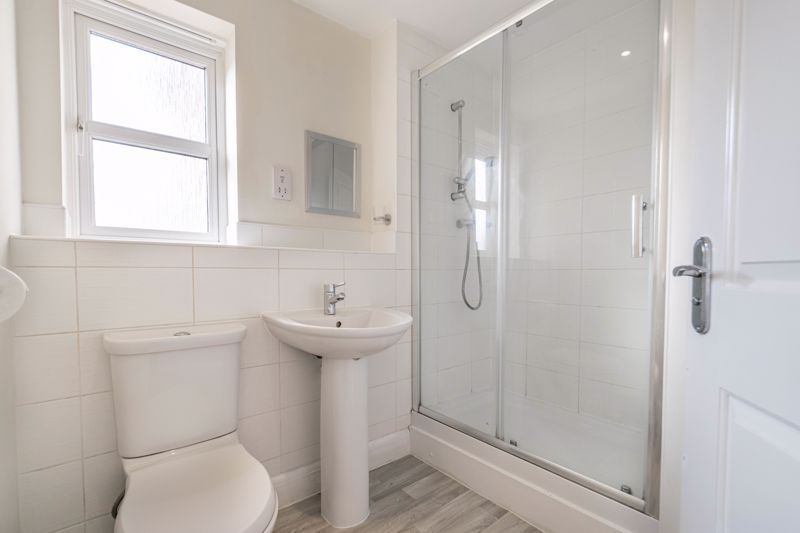2 bed flat for sale in Shottery Close  - Property Image 9