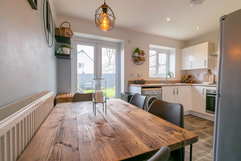 2 bed house for sale in Doulton Road 4