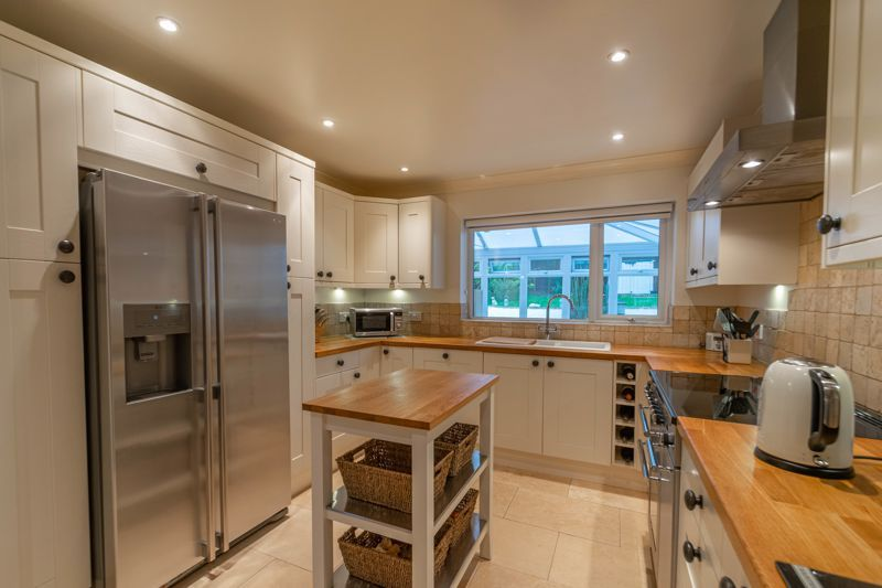 4 bed house for sale in Shirehampton Close 2