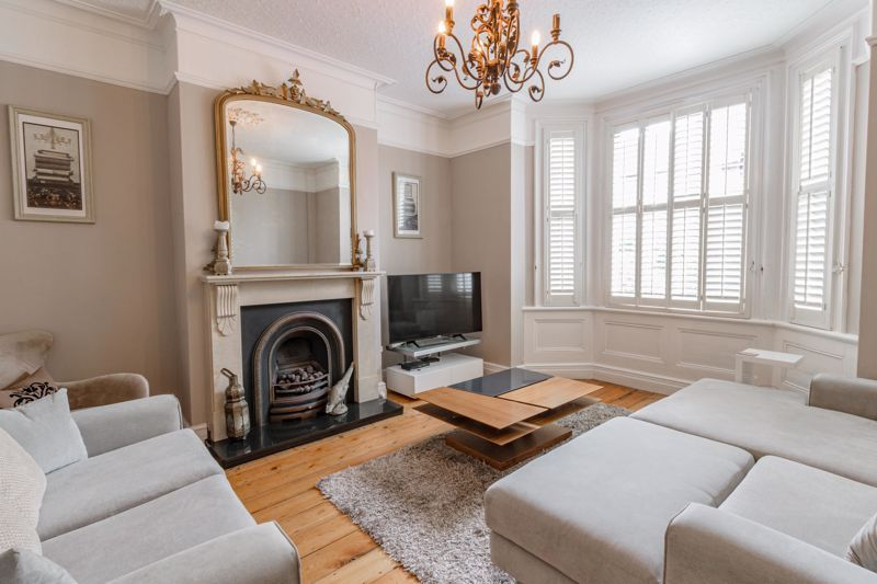 3 bed house for sale in The Crescent 2